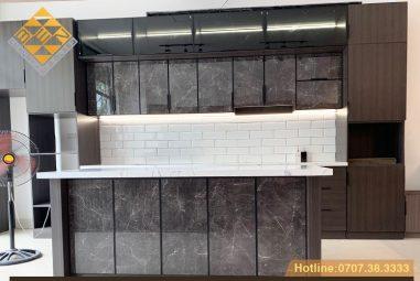Tủ bếp cánh kính xu thế mới – phong cách nội thất hiện đại